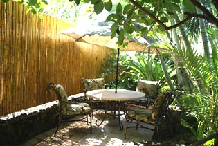 Cottage rental in Kauai Hawaii - the patio